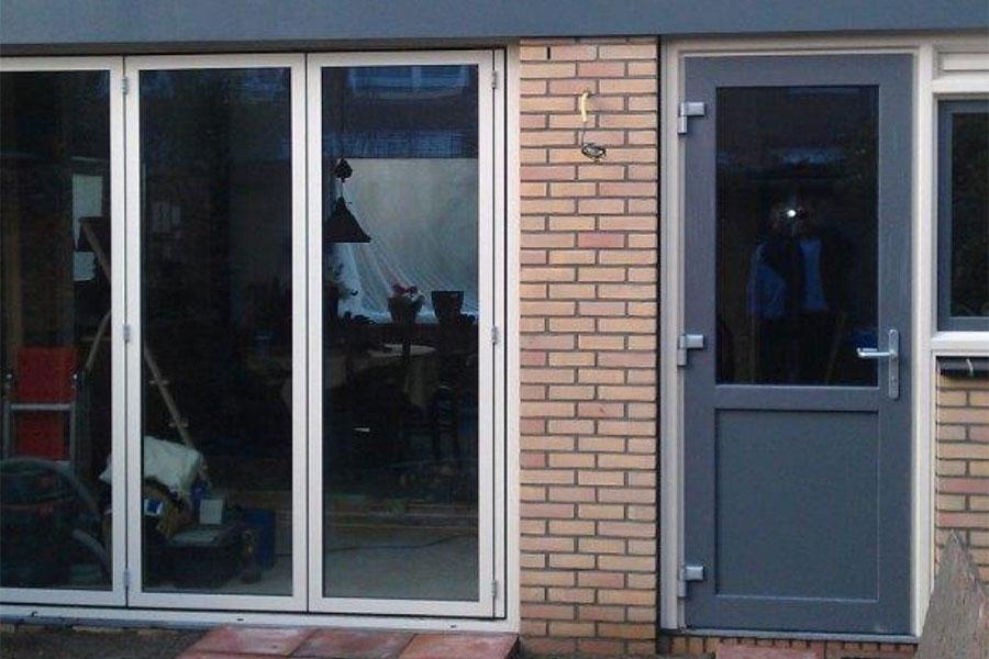 kunststof achterdeur antraciet - Select Windows Bijster Hillegom